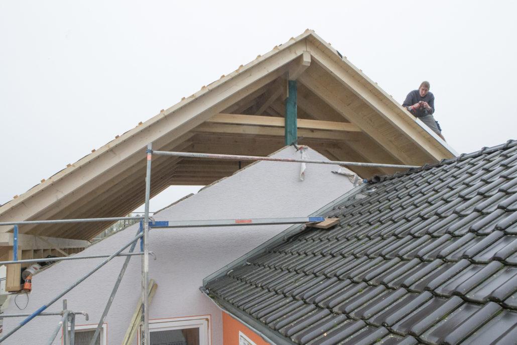 aufstockung wenn der platz im dach zum genialen wohnraum wird. Black Bedroom Furniture Sets. Home Design Ideas